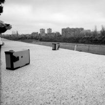 Cámaras estenopeicas (pinhole) de cartón tomando fotografia en Madrid-rio